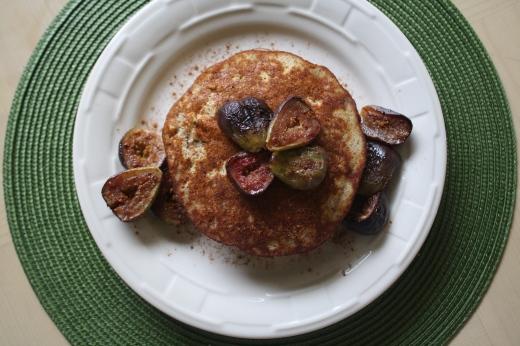 Cinnamon Fig Pancakes